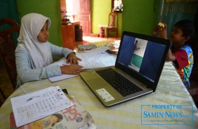 Ilustrasi : Pembelajaran daring yang dilaksanakan dalam masa pandemi.
