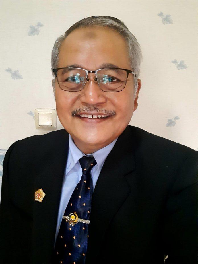 Mantan Sekda Provinsi Jawa Tengah, Prof Dr Sri Puryono MP yang juga Guru Besar Universitas Diponegoro Semarang.(Foto:SN/hp)
